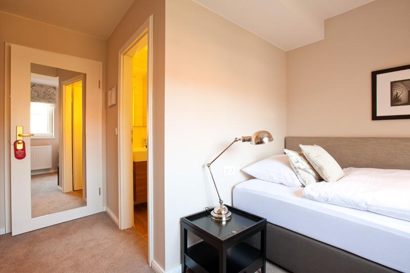 Einzelzimmer Ole Deele Hotel Schlafen Bett Burgwedel Hannover